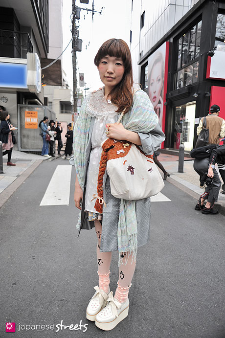 120413-0108: Japanese street fashion in Harajuku, Tokyo (dearie dada, BELLY BUTTON, syrup)