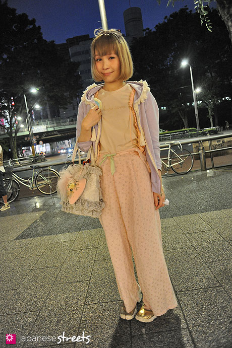 120526-5534: Japanese street fashion in Harajuku, Tokyo (Gasswell, the Virgin Mary, CULT PARTY, NIKE)