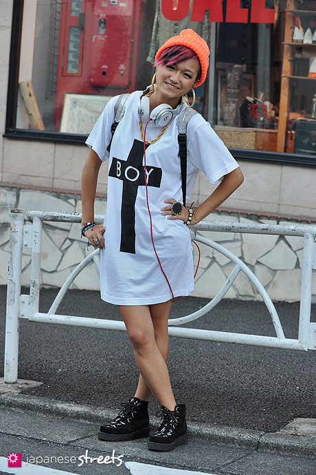 120814-0670 - Japanese street fashion in Harajuku, Tokyo (Trick Store, American Apparel,  Boy London, LB-03, Boy London)