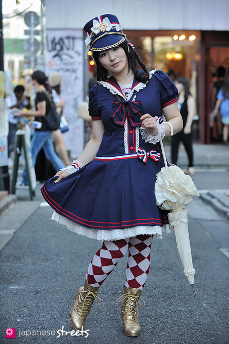 120819-2258 - Japanese street fashion in Harajuku, Tokyo (BABY, THE STARS SHINE BRIGHT, ALICE and the PIRATES)