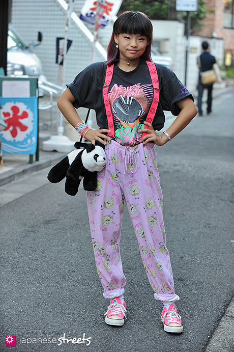 120916-9356 - Japanese street fashion in Harajuku, Tokyo (SCREEN STARS BEST, NICKLODEON, Mugendo, Converse)