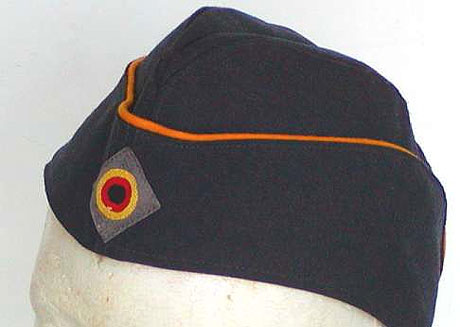German Soft Hat, Piped