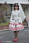 Japanese fashion-Harajuku,Tokyo,Cogi-Cogi,Innocent World,Baby the stars shine bright,Abilletage,Alice and the Pirates,Queen Bee
