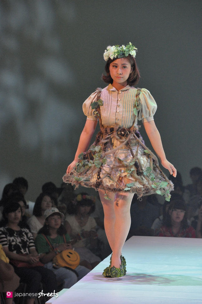 Bunka Fashion College Student W Pink Boots 6 Dokidoki: FASHION JAPAN: Bunka Fashion College Fashion And Stage