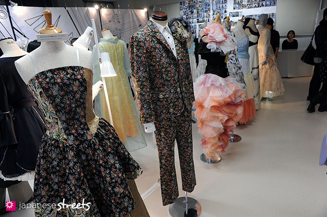 111103-5905: Fashion displays at the Culture Festival of Bunka Fashion College in Tokyo