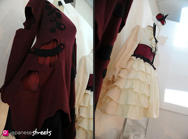 111103-5922-111103-5923: Fashion displays at the Culture Festival of Bunka Fashion College in Tokyo