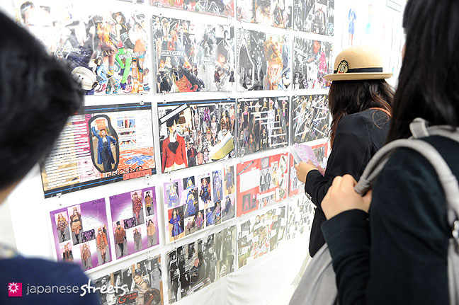 111103-5930: Fashion display at the Culture Festival of Bunka Fashion College in Tokyo
