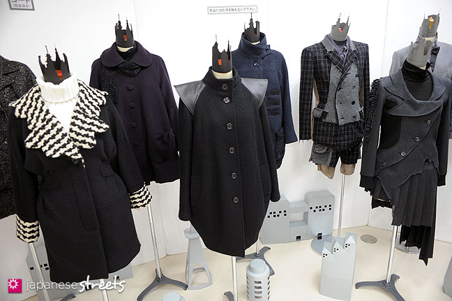 111103-5936: Fashion displays at the Culture Festival of Bunka Fashion College in Tokyo