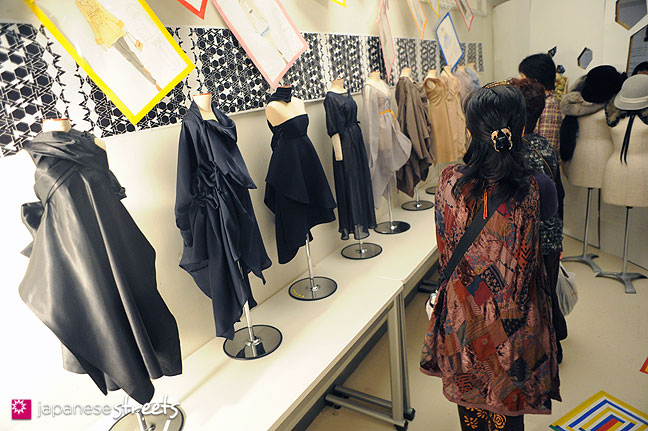 111103-5938: Fashion displays at the Culture Festival of Bunka Fashion College in Tokyo