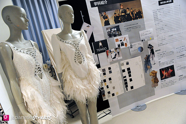 111103-5943: Fashion displays at the Culture Festival of Bunka Fashion College in Tokyo