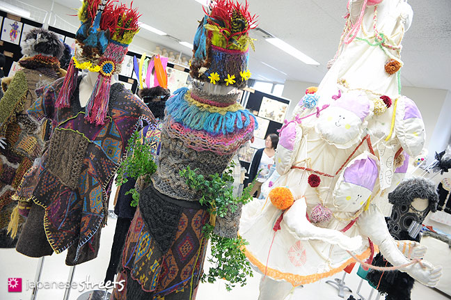 111103-5986: Fashion displays at the Culture Festival at Bunka Fashion College in Tokyo