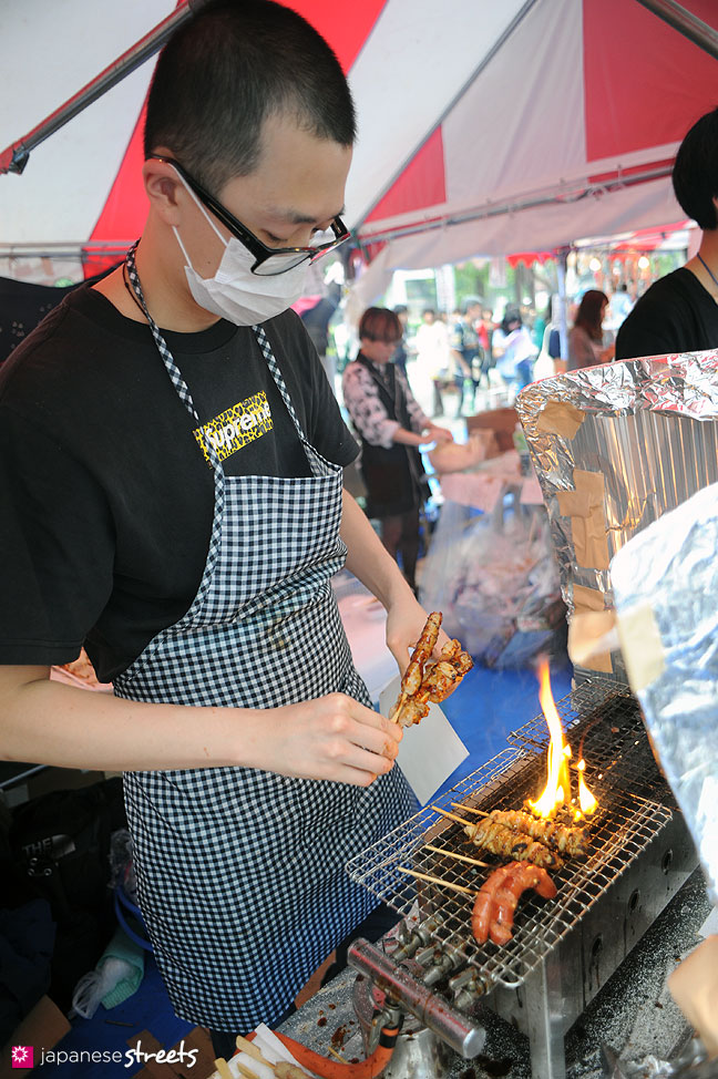 111103-6340: Preparing yakitori at the Culture Festival at Bunka Fashion College in Tokyo
