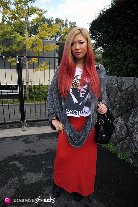 111112-8070: Japanese street fashion in Harajuku, Tokyo (TRIPLE NAPALM BOMB, FOREVER 21, American Apparel)