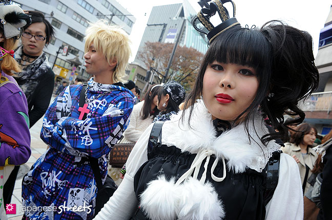 111127-0924: Harajuku Fashion Walk