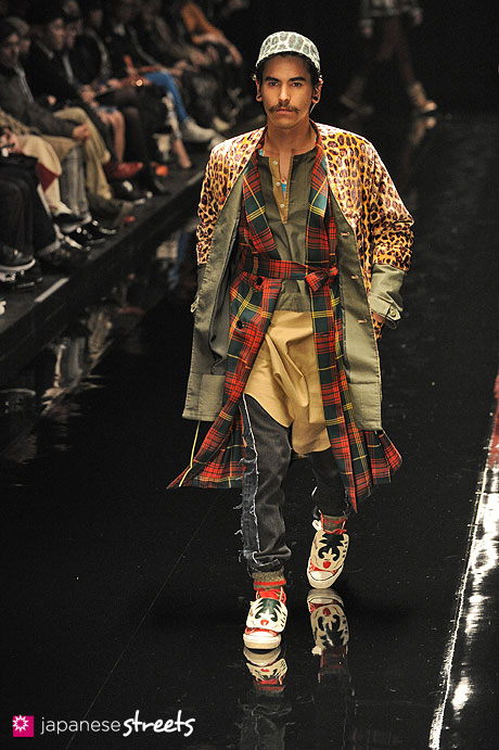 120323-6411: Autumn/Winter 2012 Collection of Japanese fashion brand FACETASM