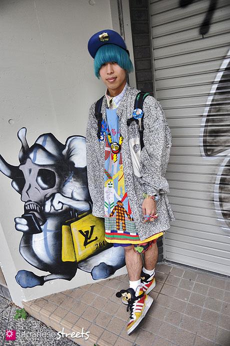 120413-0238: Japanese street fashion in Harajuku, Tokyo (bloc, 5TOY, Walter van Beirendonck, Cassette Playa, Jeremy Scott, ZAORICK mochasse!)