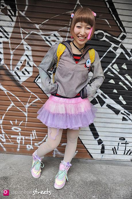 120415-0719: Japanese street fashion in Harajuku, Tokyo (HIROAKI ISHIYAMA, Swimmer)