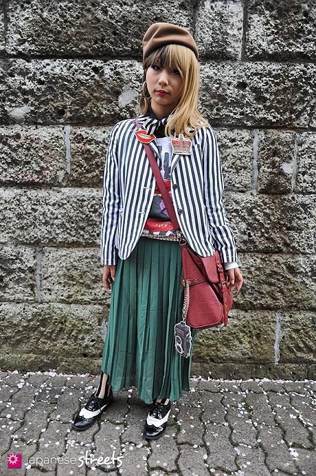 120415-0933: Japanese street fashion in Harajuku, Tokyo (BROWNY, Romantic Standard, Honeys)