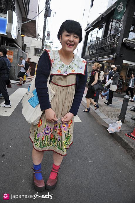 120429-1906: Japanese street fashion in Harajuku, Tokyo (Gokan, BLANCE, Tokyo Bopper, Kaela Kimura)