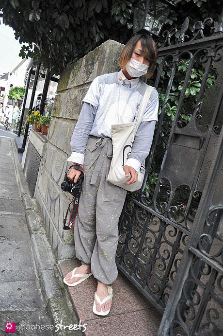 120526-4744: Japanese street fashion in Harajuku, Tokyo (KEISUKE KANDA, UNIQLO, Theatre Products, S. Nakaba, Eatable)