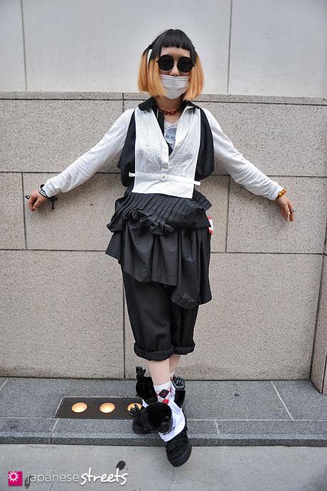 120526-5187: Japanese street fashion in Harajuku, Tokyo (POU DOU DOU, KENZO, Comme des Garçons, ADIDAS)