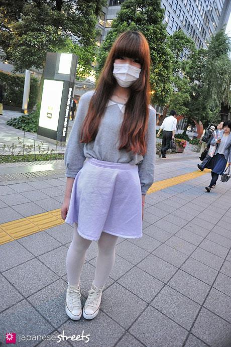 120530-6833: Japanese street fashion in Harajuku, Tokyo (JEANASIS, American Apparel, Converse)
