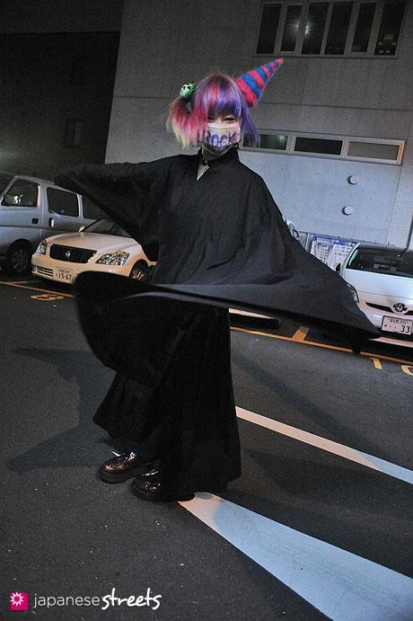 120624-9546 - Japanese street fashion in Sangenjaya, Tokyo (Broken Dolls)