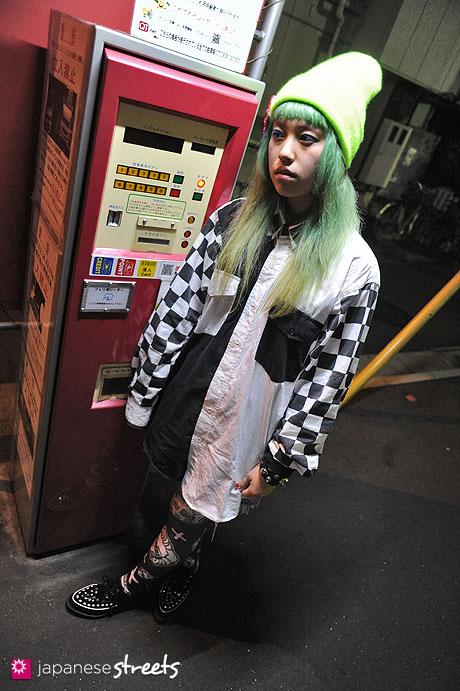 120624-9887 - Japanese street fashion in Sangenjaya, Tokyo (American Apparel, CANDY, Avant Garde, Worldwide Love)