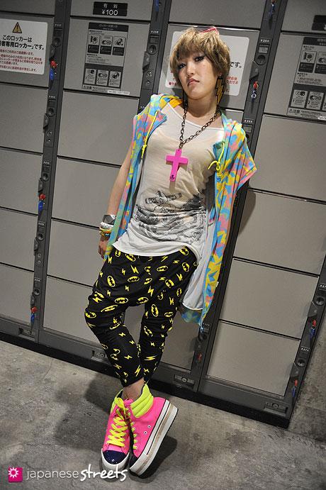 120706-0815 - Japanese street fashion in Tokyo (IGREK PARIS, Swordfish, Galaxy, G&K K, Bonita, FOREVER21)