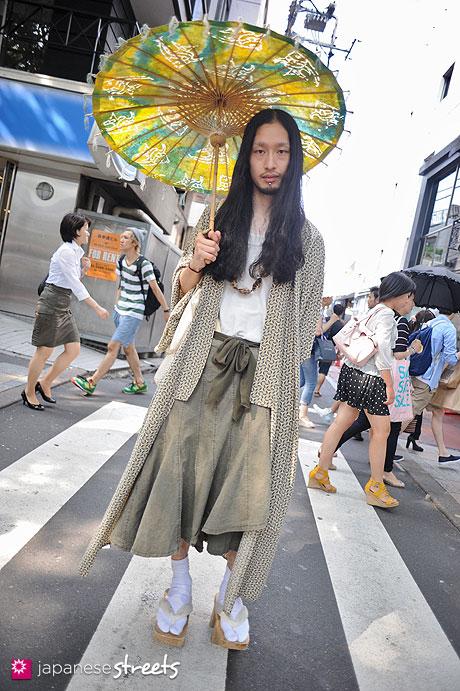 120728-5622 - Japanese street fashion in Harajuku, Tokyo (Bric by La Fiesta-GRACE)