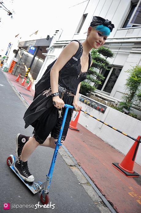 120728-5707 - Japanese street fashion in Harajuku, Tokyo (Outdoor Sports-Converse)