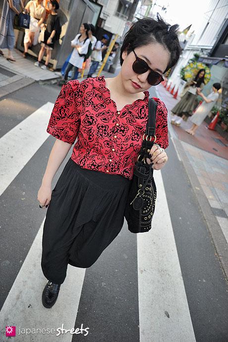 120728-5910 - Japanese street fashion in Harajuku, Tokyo (patricia, FOSSIL)
