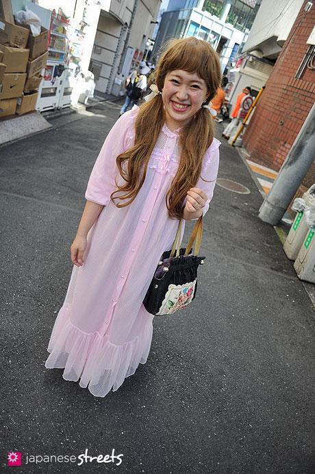 120805-7051: Japanese street fashion in Harajuku, Tokyo (Aqua Doll, CHRISTY, Anna Sui, IamI)