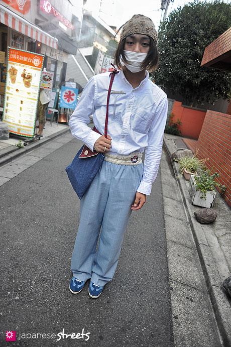 120805-7325 - Japanese street fashion in Harajuku, Tokyo (Spica, UNIQLO, Futatsukukuri, Keisuke Kanda)