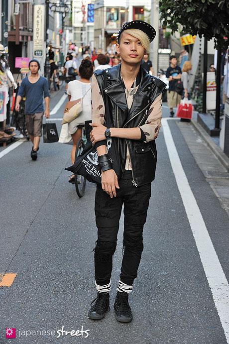 120816-1167: Japanese street fashion in Harajuku, Tokyo (Grico, Monomania, Yaponski, Daniel Palillo)