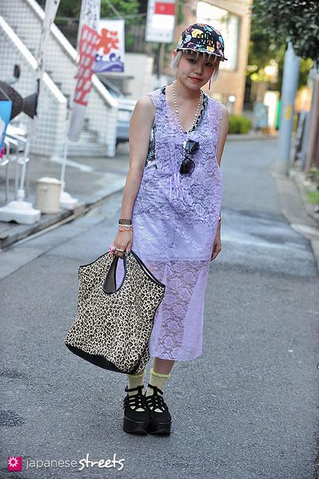 120819-2385 - Japanese street fashion in Harajuku, Tokyo (KTZ, G.V.G.V., American Apparel, 2%TOKYO, Tokyo Bopper)