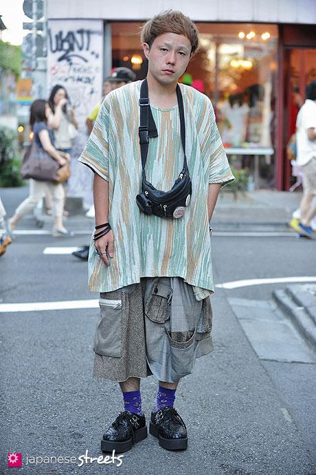 120819-2439 - Japanese street fashion in Harajuku, Tokyo (OHTA, Nozomi Ishiguro, TUK9