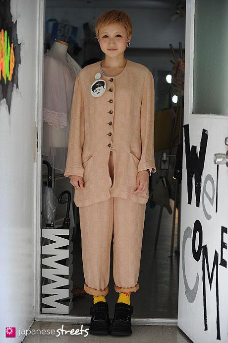 120821-2709 - Japanese street fashion in Shibuya, Tokyo (Saint Joie)