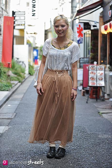 120826-3533 - Japanese street fashion in Harajuku, Tokyo (drop, Rockism, LOWRYS FARM, Comme des Garçons)