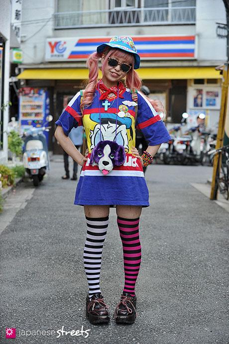 120826-3587 - Japanese street fashion in Harajuku, Tokyo (Tokyo Disneyland, Castelbajac, JSA)