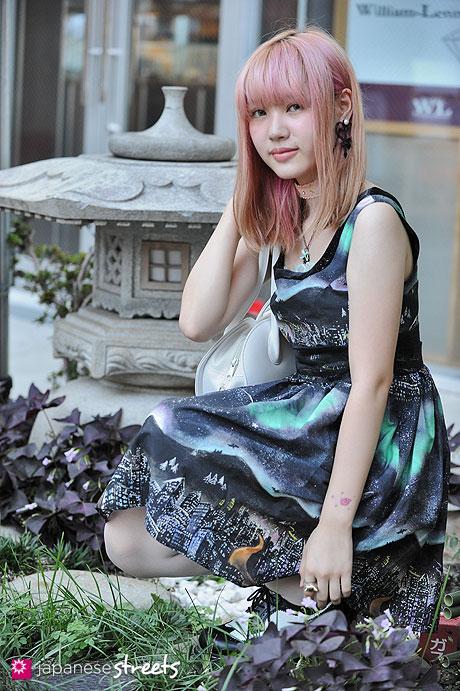 120916-9239 - Japanese street fashion in Harajuku, Tokyo (Music Legs, MILK, Dr.Martens)