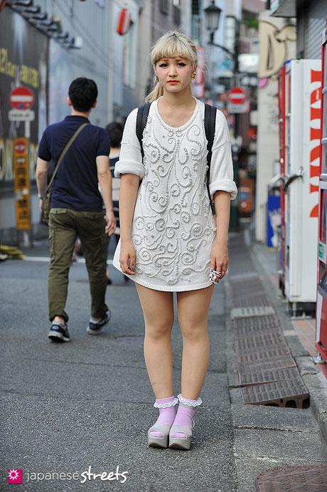 120929-0519 - Japanese street fashion in Harajuku, Tokyo (Number 406, Victoria Jones, Vivienne Westwood)