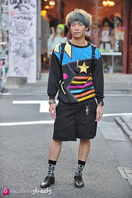 120929-0750 - Japanese street fashion in Harajuku, Tokyo (lavôn sports, Dickies, OUTDOOR, Mitsukoshi)
