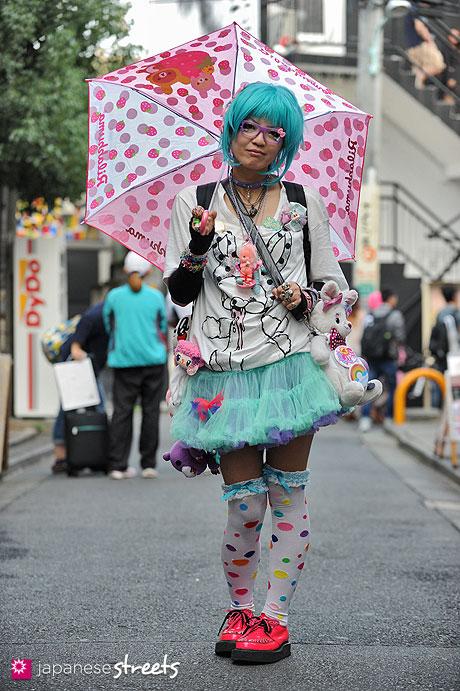 121007-1710 - Japanese street fashion in Harajuku, Tokyo (Rilakkuma, Assist Wig, monomania, LOVER'S HOUSE, YOSUKE U.S.A)