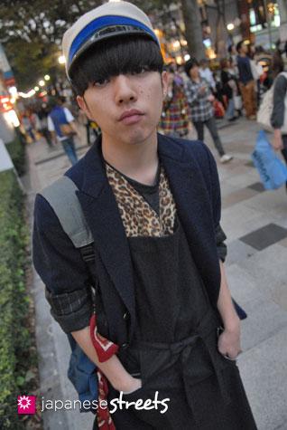 91017-8692-Japanese street fashion in Harajuku, Tokyo