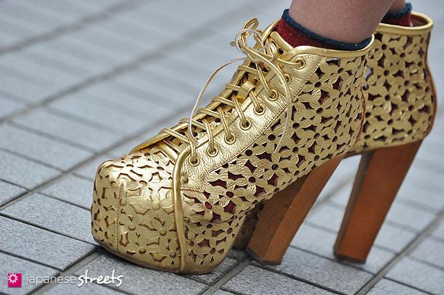 130426-2745: Japanese street fashion in Shibuya, Tokyo