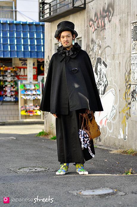 101211-8623-MT: Street fashion Harajuku, Tokyo, NOZOMI ISHIGURO, SOU・SOU, Vivienne Westwood, Undercover