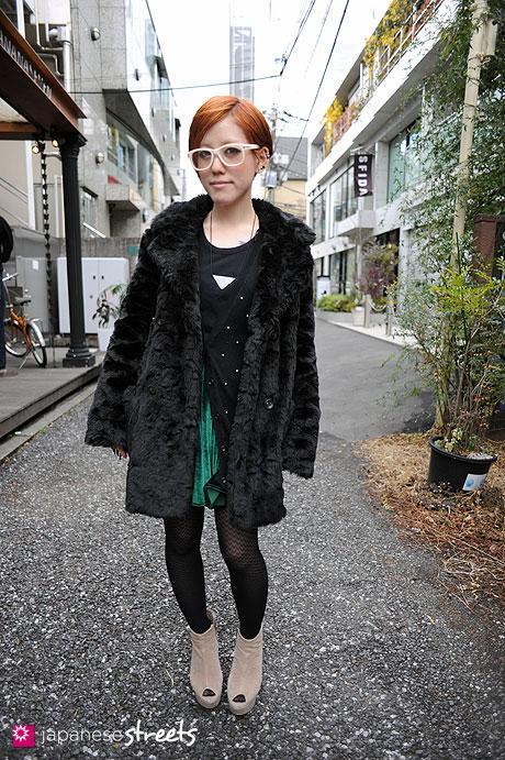 110218-8492: Harajuku, Tokyo, UNIQLO, H&M, LOWRYS FARM, American Apparel