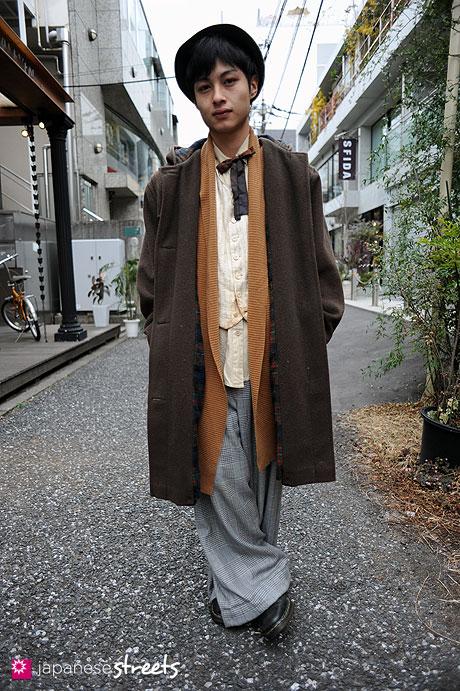 110220-9738: Young fashionable man in Harajuku, Tokyo