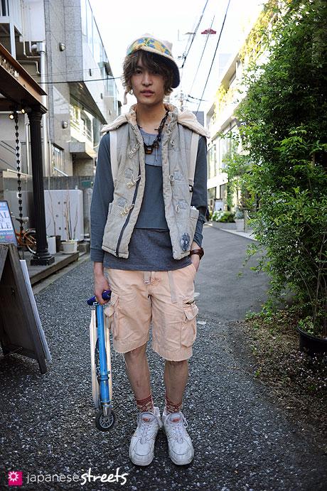 110424-3935: Harajuku, Tokyo, Anrealage, Nozomi Ishiguro, Nike